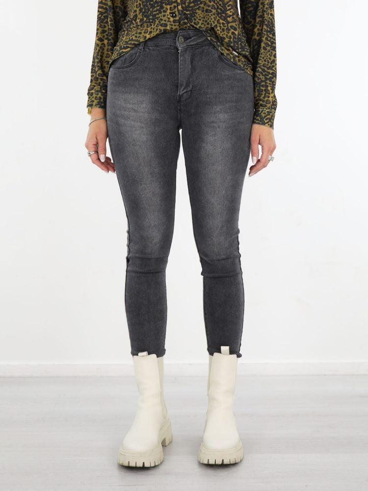 stoere-basic-skinny-jeans-met-grijze-wassing