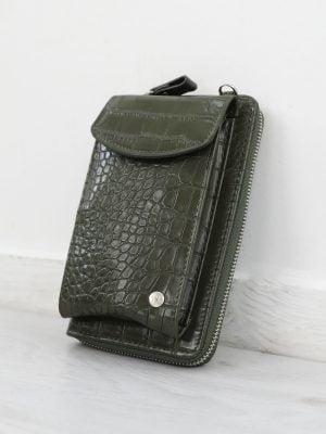 telefoon-tas-van-krokodillen-textuur-in-een-donker-groene-kleur