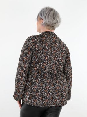 top-in-plussize-grote-maten-in-zwart-met-paisley-print-bruin-en-wit