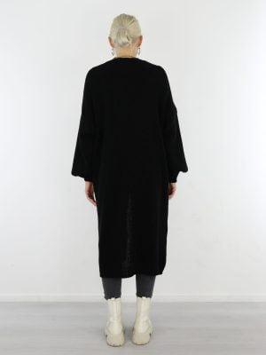 zwart-gekleurd-lang-vest-van-het-merk-g-ricceri-met-zakken-en-ballonmouw