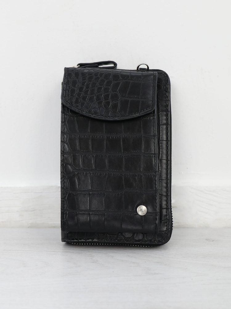 zwart-telefoontasje-met-krokodillen-textuur